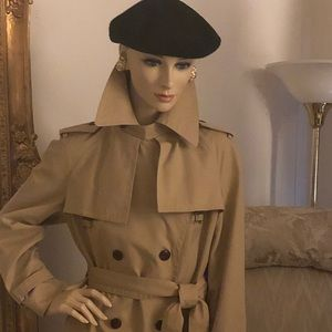 Classic Etienne Aigner Trench Coat. Size small.